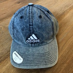 adidas Saturday Plus hat